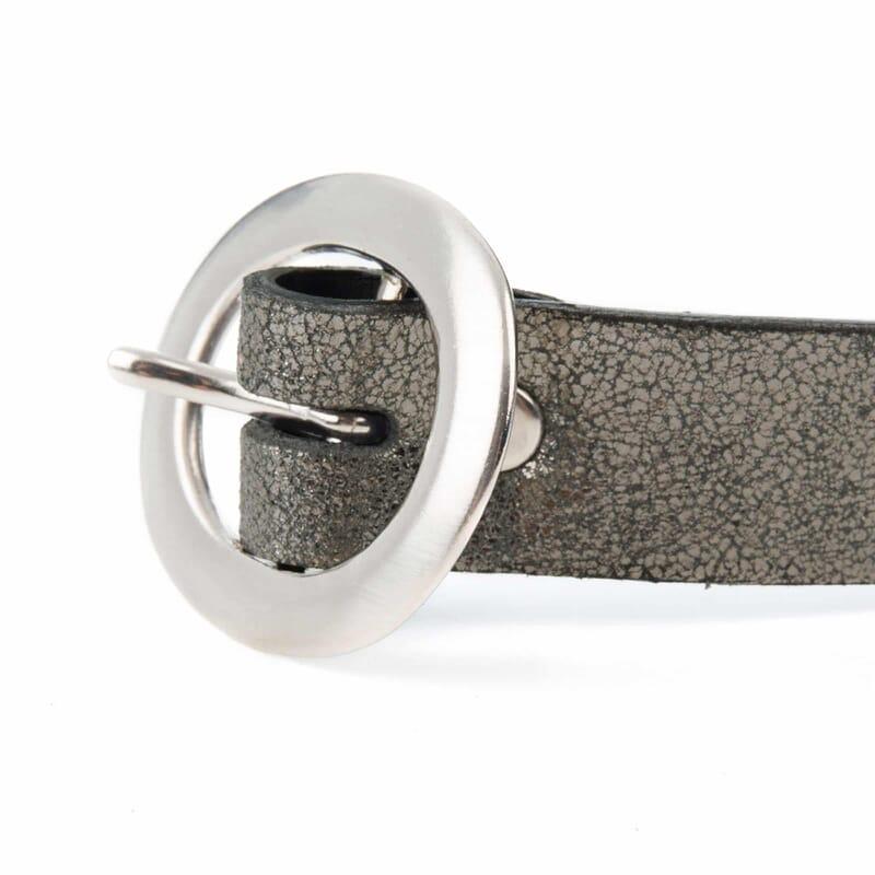 vue boucle ceinture fine cuir argenté foncé jules & jenn