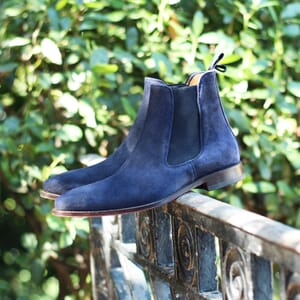 vue portee chelsea boots cuir daim bleu jules & jenn