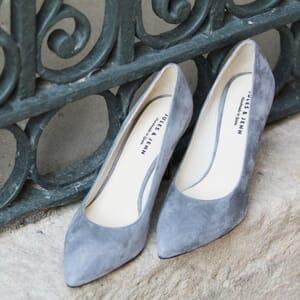vue posee escarpins classique cuir daim gris jules & jenn