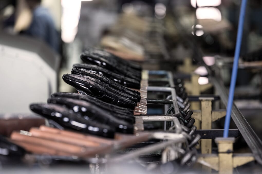 Fabrication atelier chaussures femme Jules & Jenn