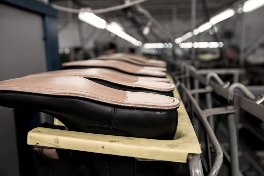 Atelier fabrication chaussures homme Portugal Jules & Jenn