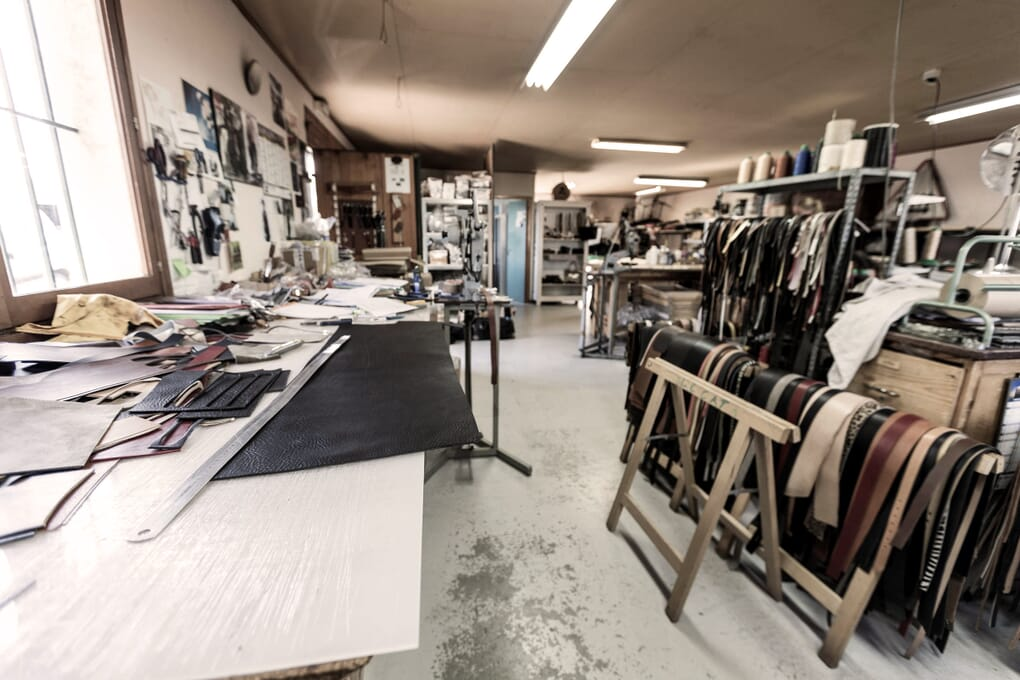 Atelier fabrication ceintures cuir France Jules & Jenn