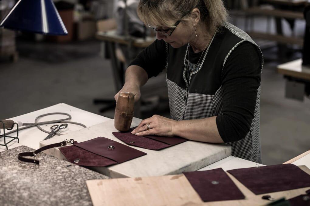 Fabrication sac cabas cuir Made in France JULES & JENN
