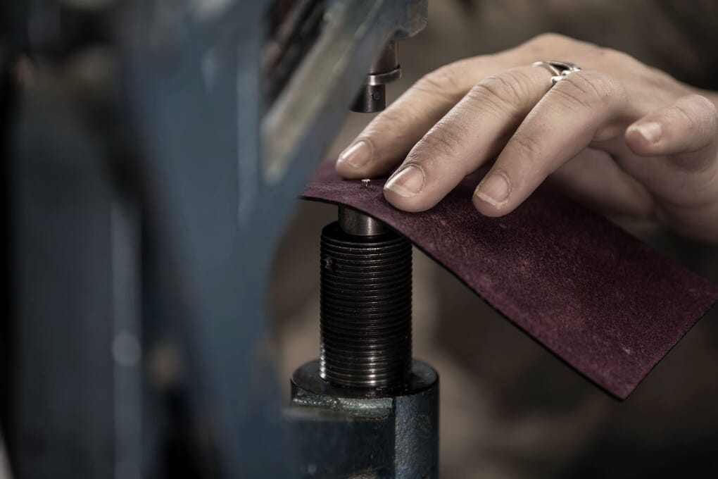Assemblage cuir pochette du sac JULES & JENN Made in France