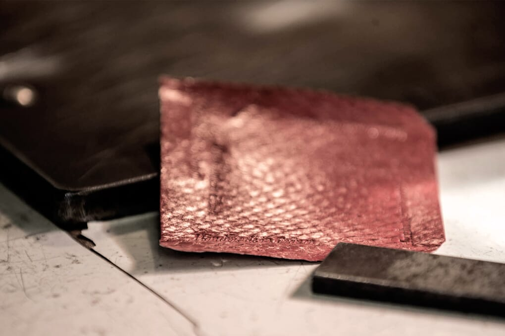 Cuir de truite rouge porte-cartes Jules & Jenn Made in France