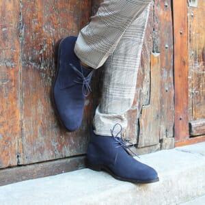 vue portee desert boots cuir daim bleu jules & jenn