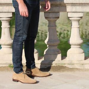 vue portee desert boots cuir daim camel jules & jenn
