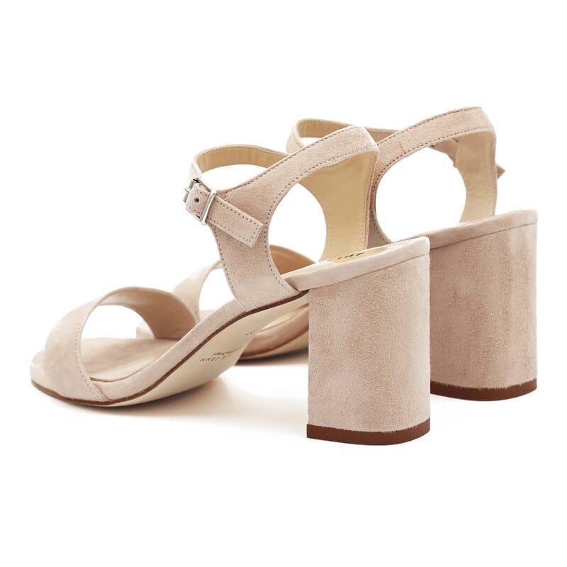 vue arrière sandales à talon cuir daim beige jules & jenn