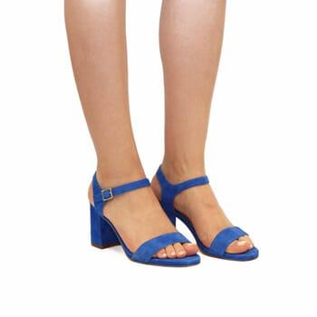 vue portée sandales à talon cuir daim bleu royal jules & jenn