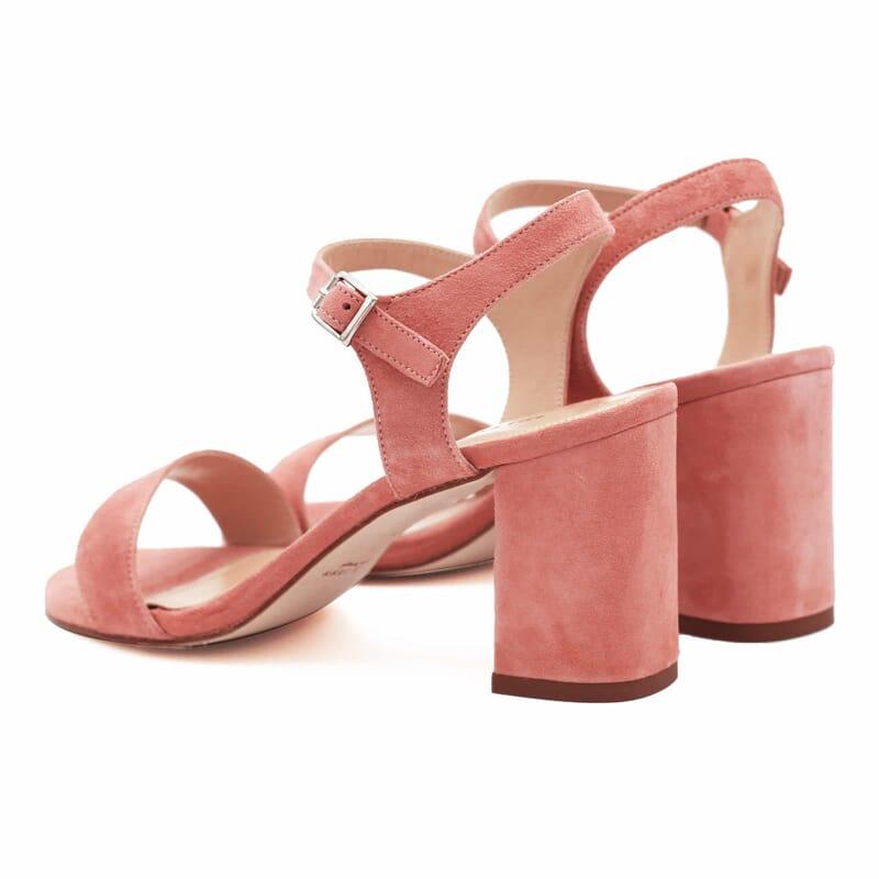 vue arrière sandales à talon cuir daim rose jules & jenn