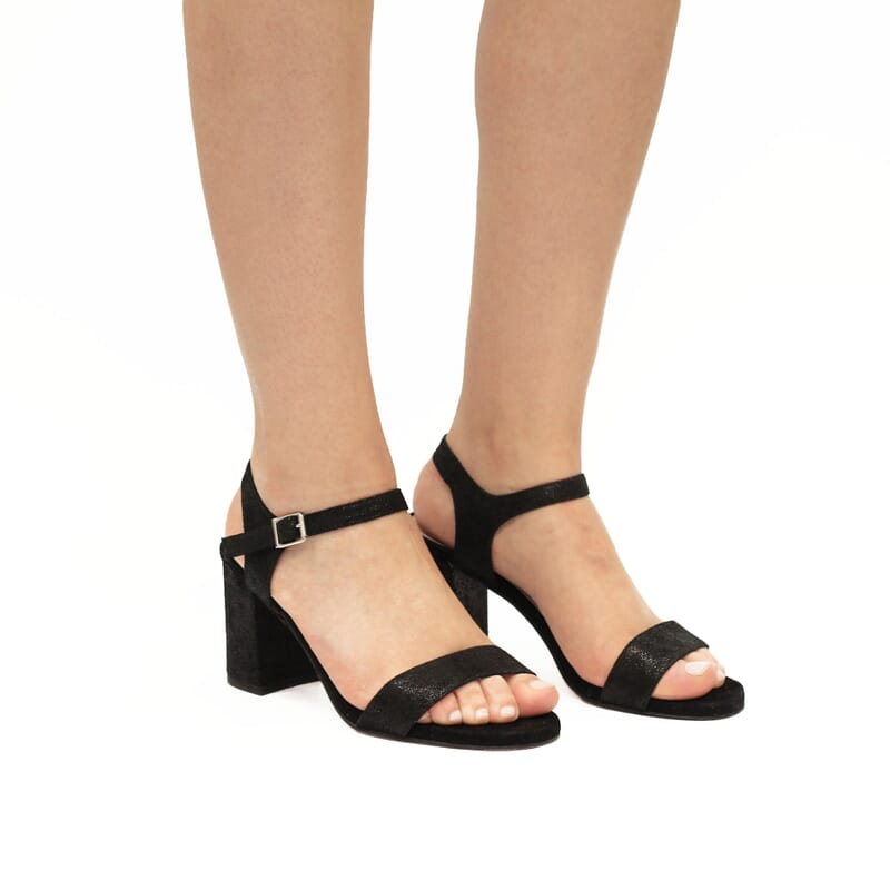 vue portée sandales talon cuir metallise noir femme Jules & Jenn