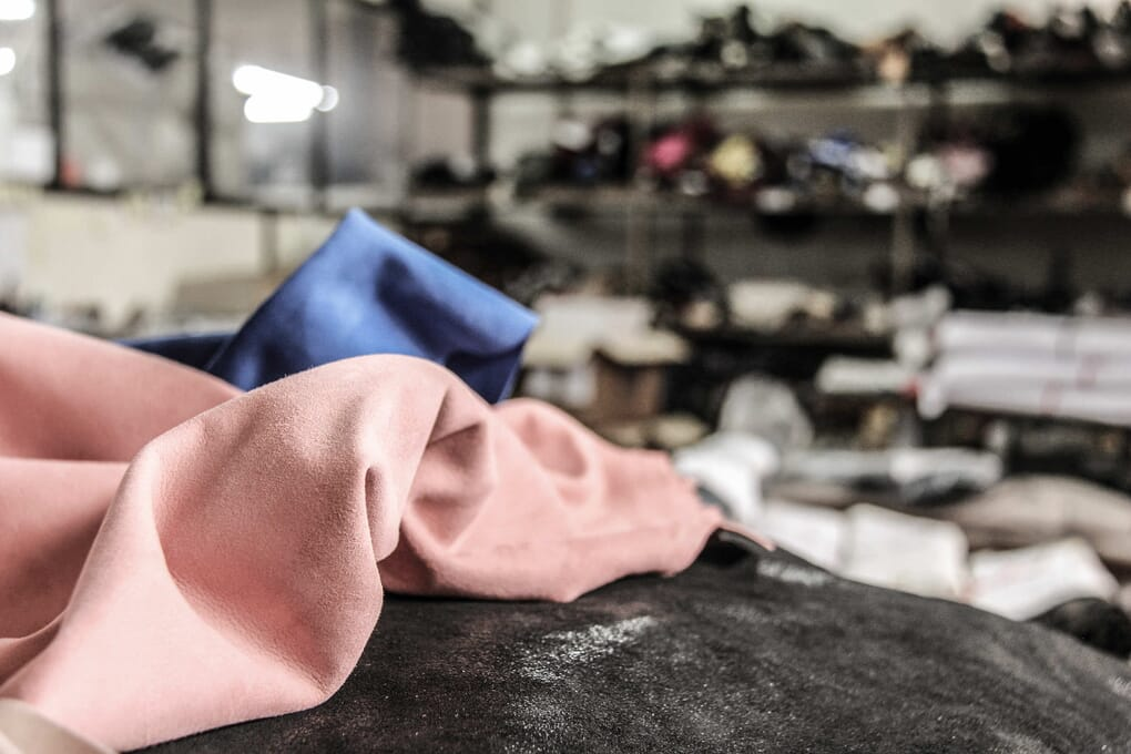 Cuirs atelier fabrication chaussures femme Jules & Jenn