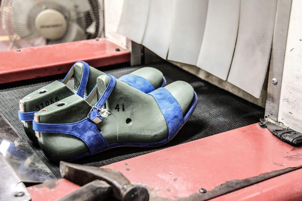 Séchage sandales femme cuir daim Jules & Jenn