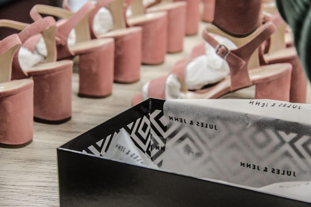 atelier mise en boite sandales talons jules & Jenn