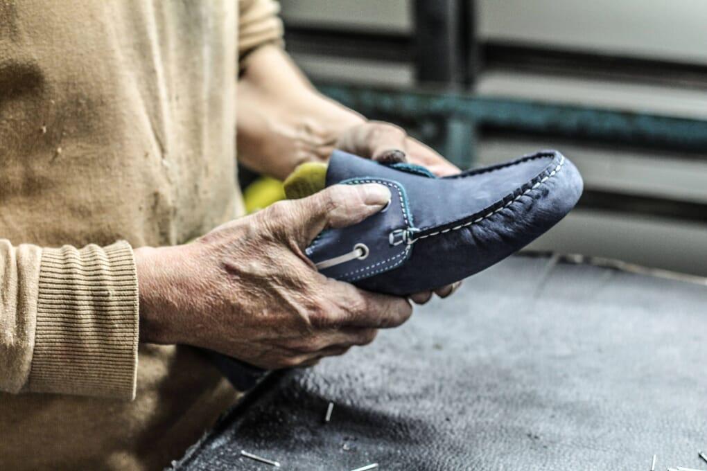 finition chaussure cuir Jules & Jenn