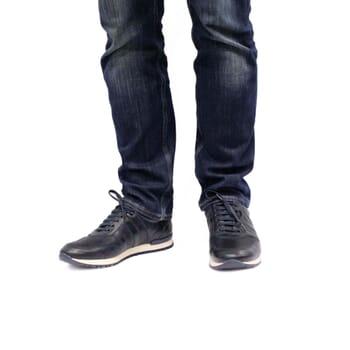 vue portée sneakers cuir bleu JULES & JENN
