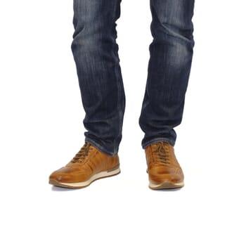 vue portée sneakers cuir cognac JULES & JENN