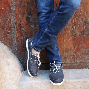 vue portee chaussure bateau cuir bleu jules & jenn