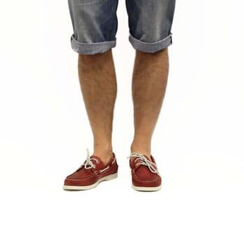 vue portée chaussures bateau cuir rouge jules & jenn