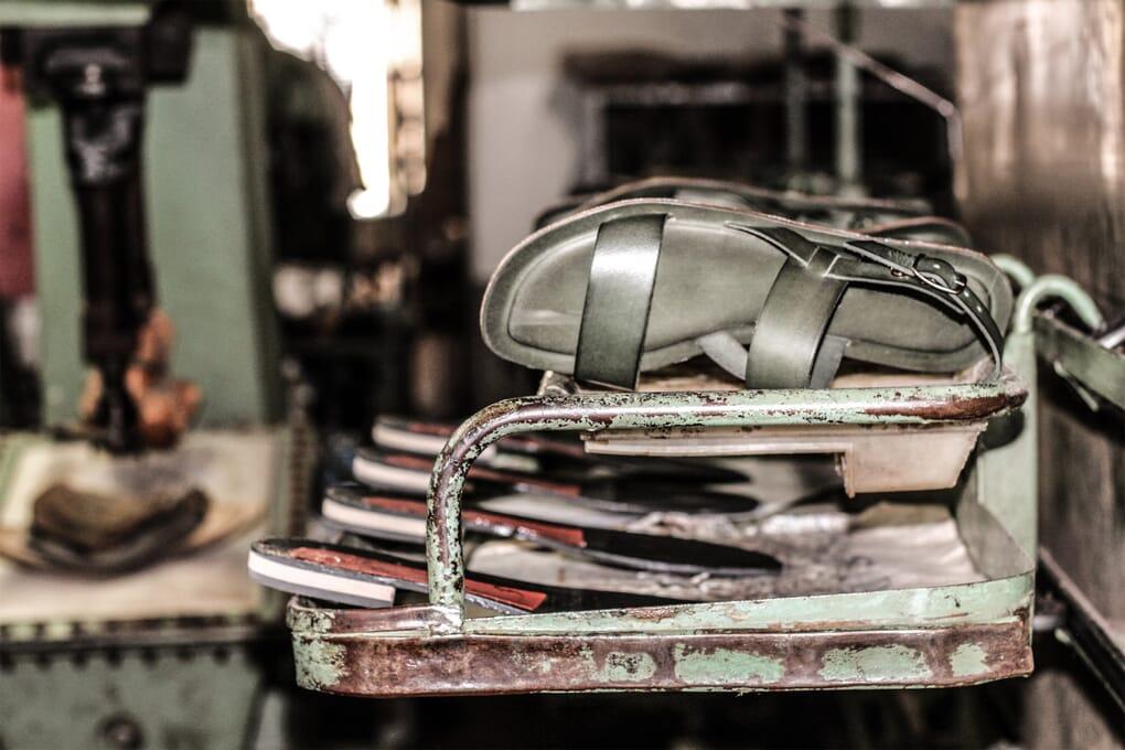 Atelier de fabrication Sandales femme