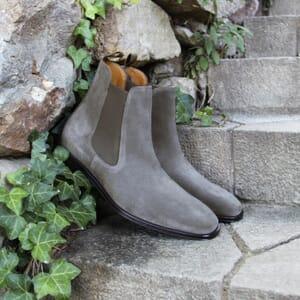 vue posée chelsea boots cuir daim gris jules & jenn