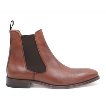 vue exterieure chelsea boots cuir marron cognac jules & jenn