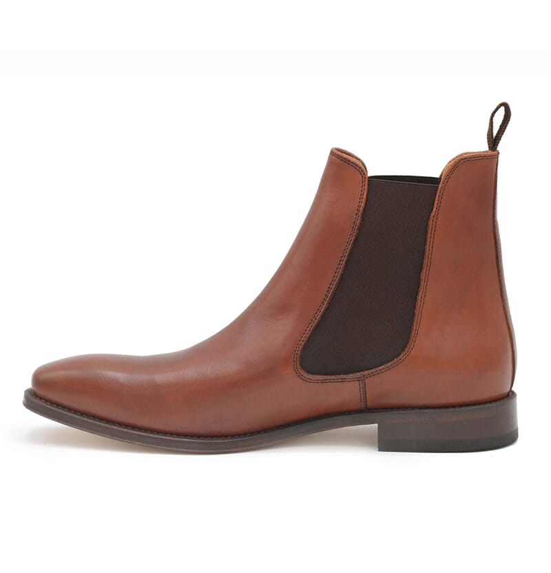 vue interieure chelsea boots cuir marron cognac jules & jenn
