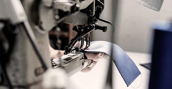 L'atelier de fabrication de petite maroquinerie, France (81)