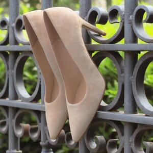 escarpins classiques cuir daim beige jules & jenn