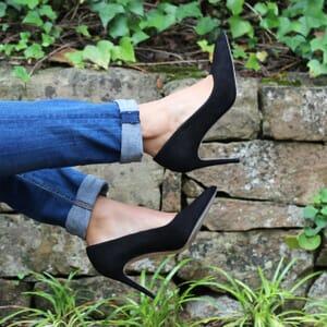 vue posee escarpins classique cuir daim noir jules & jenn