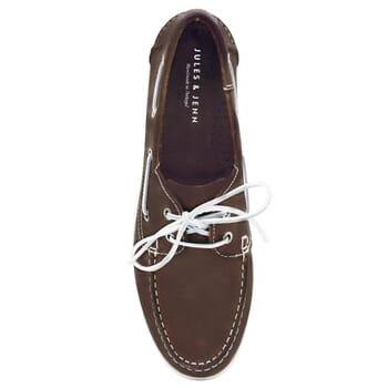 vue dessus chaussures bateau cuir marron jules & jenn