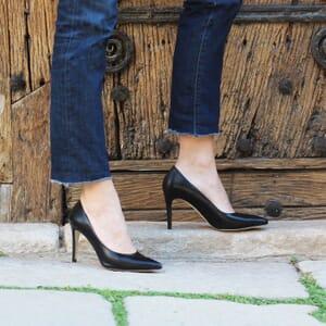 escarpin jules et jenn cuir noir exterieur porte