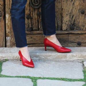 escarpin decollete v jules et jenn cuir rouge exterieur porte