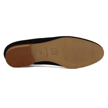 vue dessous slippers classiques cuir daim noir jules & jenn