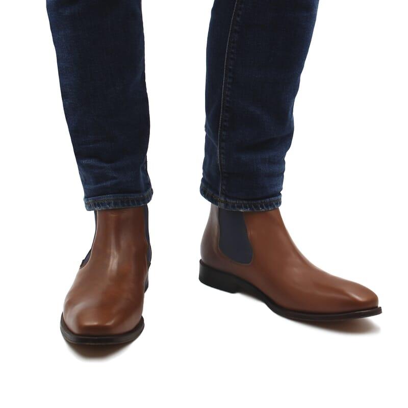 vue portee interieur chelsea boots cuir lisse tannage vegetal cognac et bleu jules & jenn