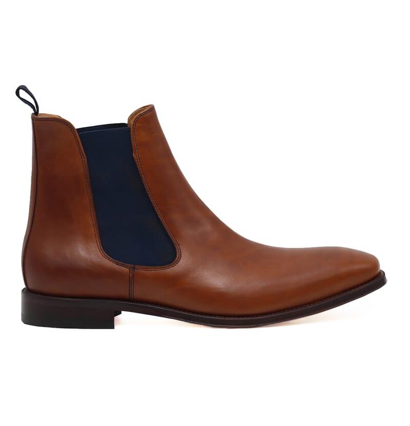 vue exterieure chelsea boots cuir lisse cognac et bleu jules & jenn