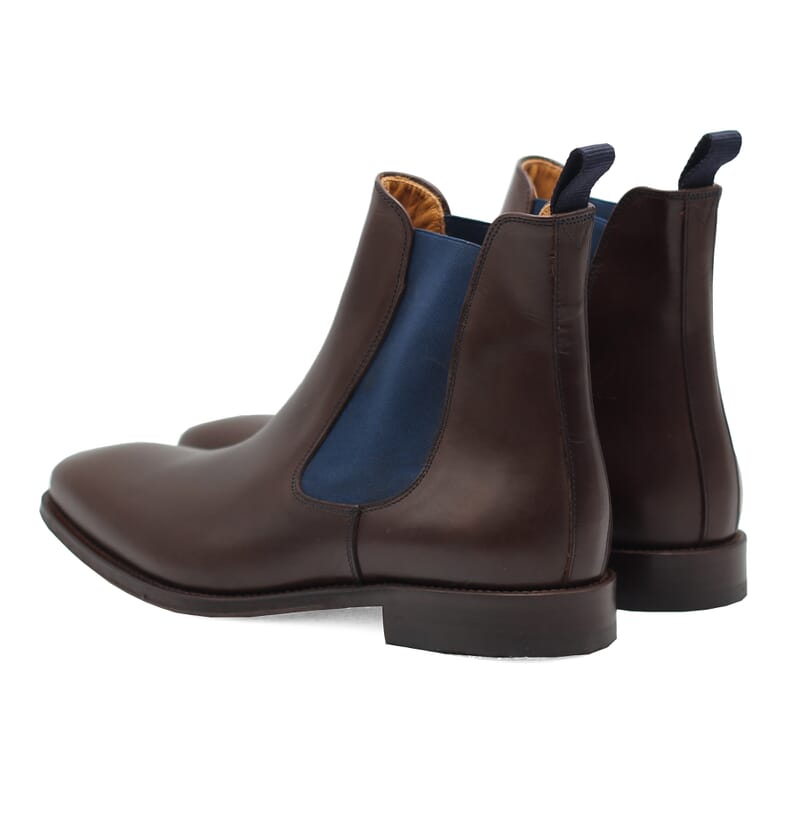 vue arriere chelsea boots cuir lisse tannage vegetal marron et bleu jules & jenn
