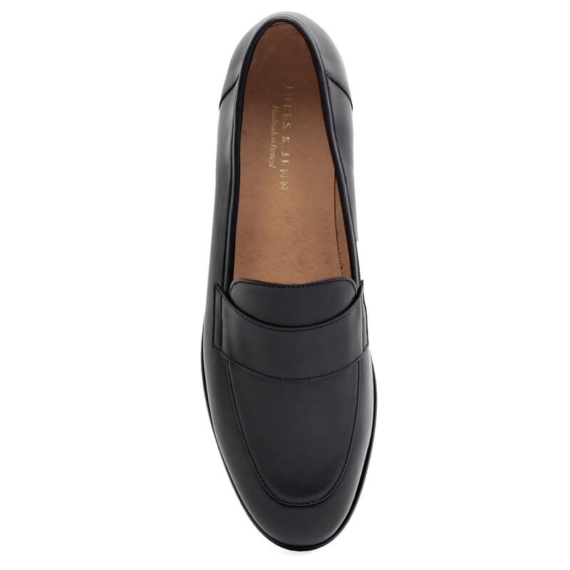 vue dessus mocassins modernes cuir noir Jules & Jenn