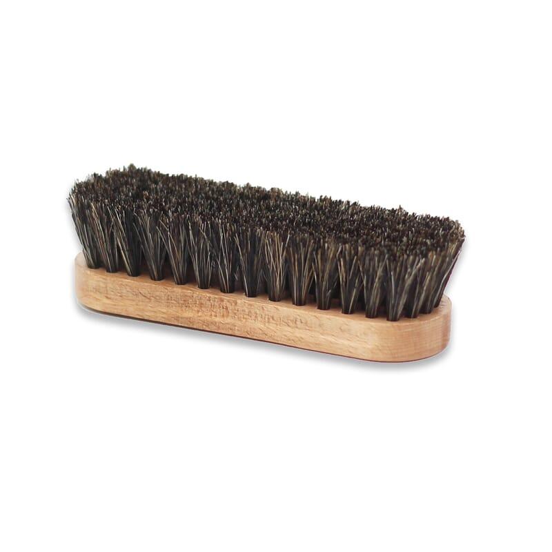 Vue de dessous brosse a reluire cuir lisse Famaco JULES & JENN