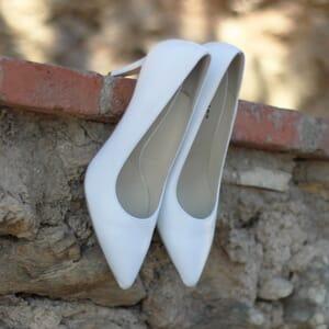 vue exterieure escarpins classiques cuir blanc