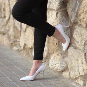 vue portee exterieure escarpins classiques cuir blanc