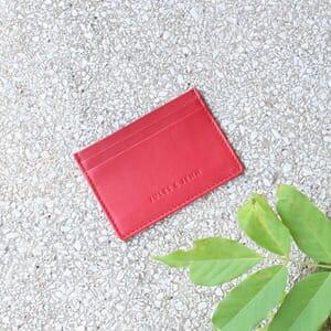 vue posée Porte-carte cuir upcyclé rouge jules & jenn