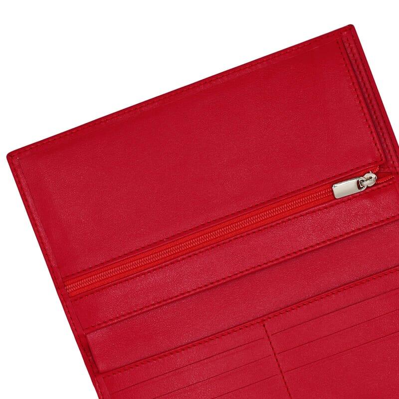 gros plan porte chequier rouge fabrique en France