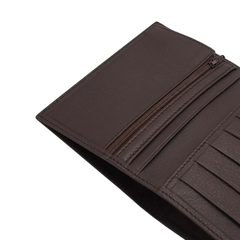 gros plan portefeuille classique cuir marron jules & jenn