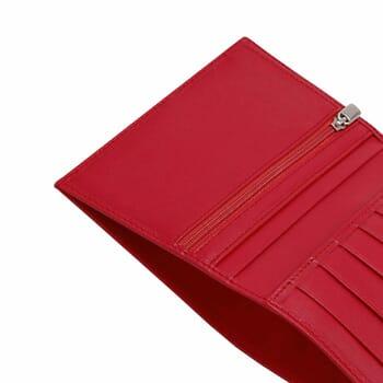 gros plan portefeuille classique cuir rouge