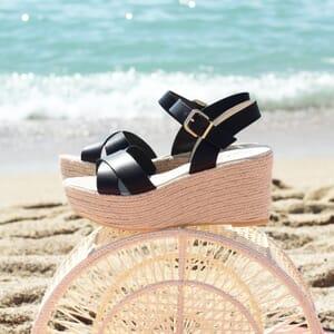vue posee sandales compensees cuir noir jules & jenn