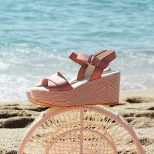 vue portee sandales compensees cuir rose jules & jenn