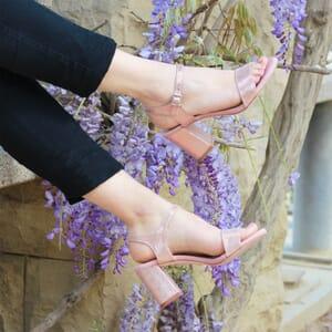 vue portee sandales talon cuir metallise rose femme jules & jenn
