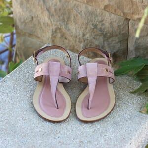 vue posee sandales tropeziennes cuir daim rose