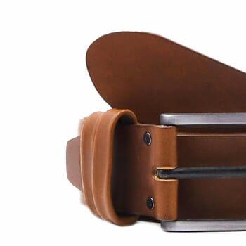 gros plan ceinture casual cuir cognac jules&jenn